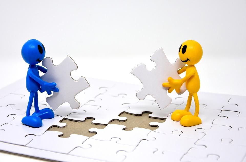 comment coller un puzzle sur une planche en bois
