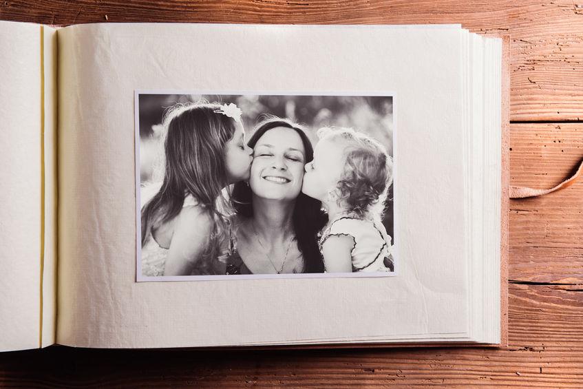 Pourquoi est-il essentiel de conserver ses souvenirs avec des tirages photo?